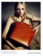 Gemma Ward 2007 Louis Vuitton 2.jpg