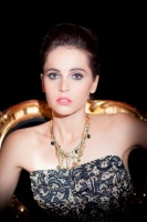 Felicity Jones Dolce and Gabbana makeup.jpg